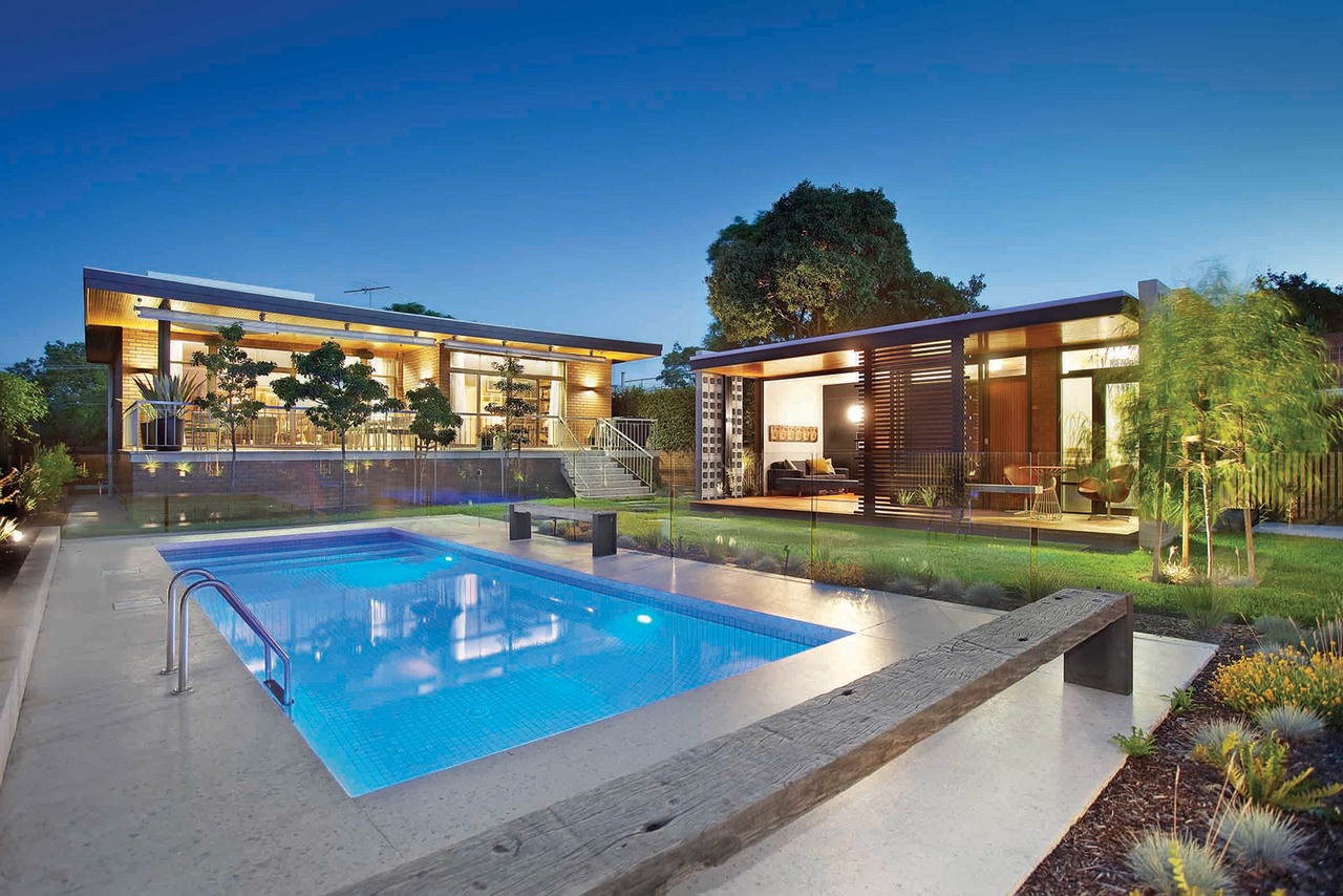 Maddison architects bayside pool house for Show pool status pgpool